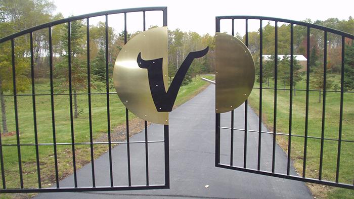 viking crest gate